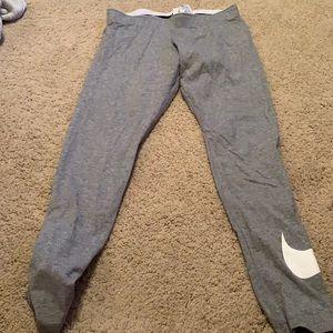 Medium Nike leggings